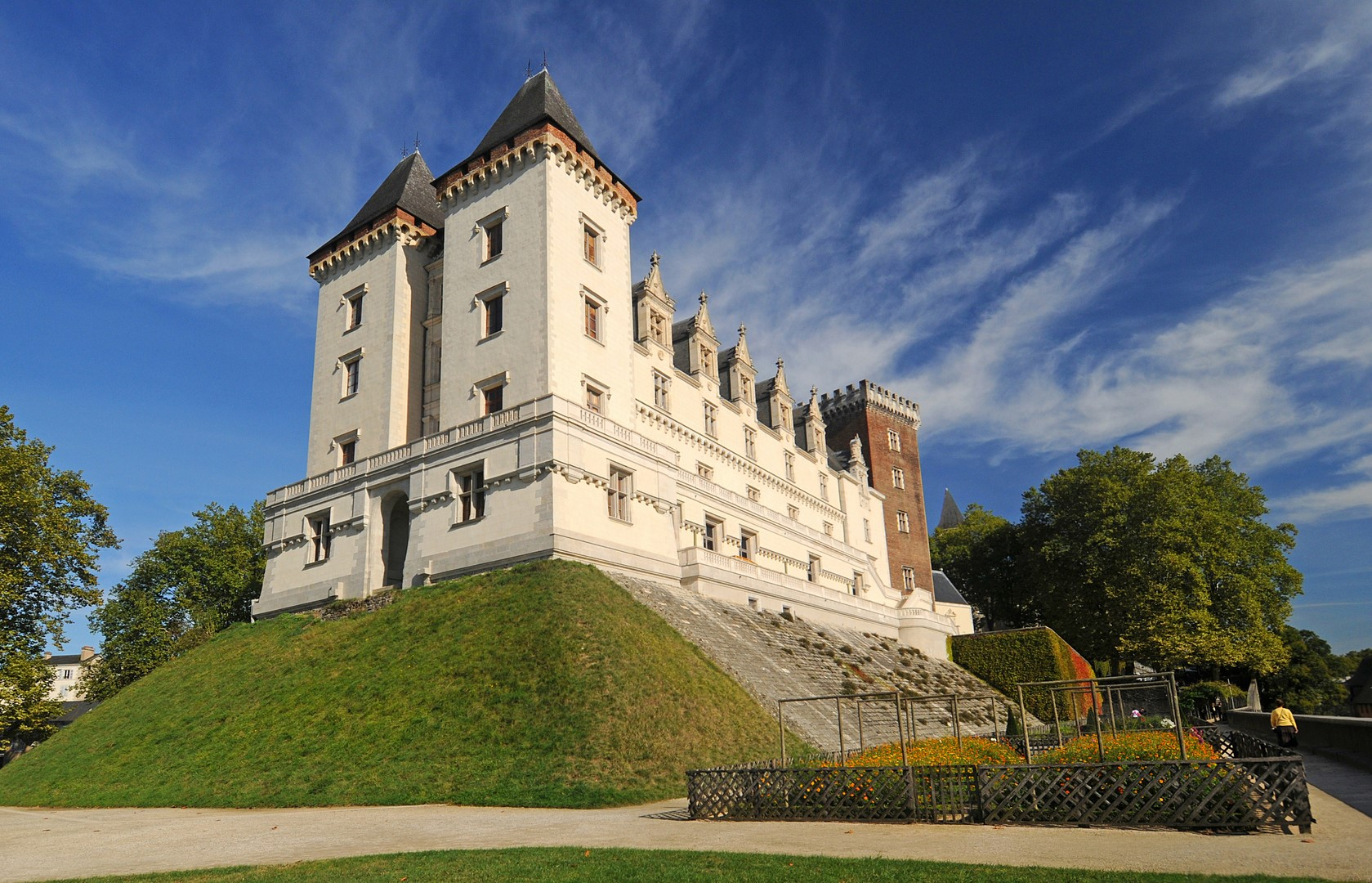pau and its castle coeur de béarn