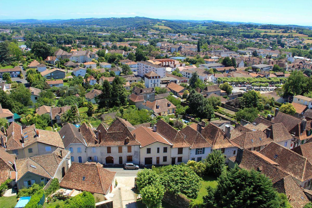 Vue sur les toits en tuiles picon d'Orthez
