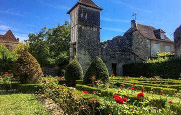 Jardin et pigeonnier du musée Jeanne d'Albret à Orthez