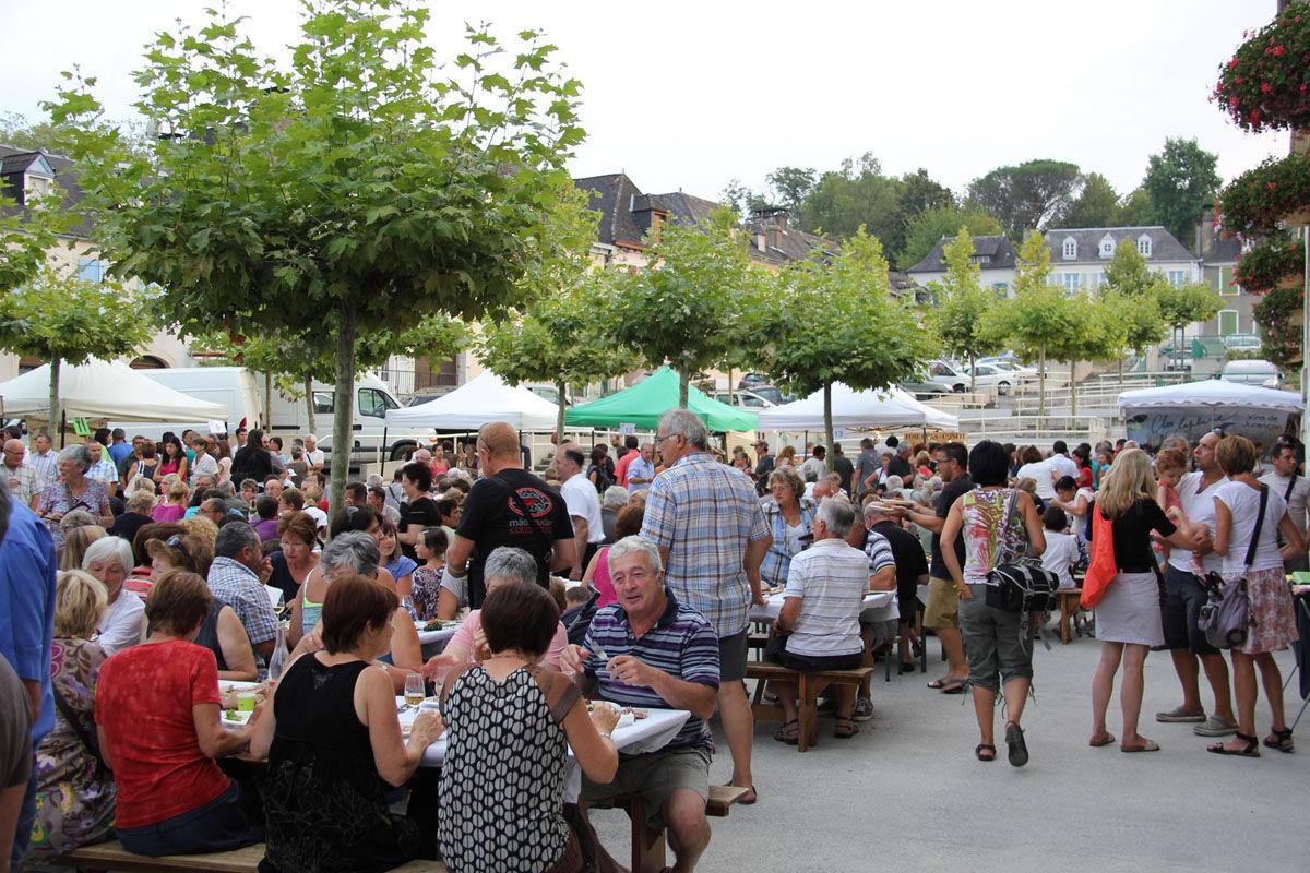 The Marché des producteurs de Pays in Monein