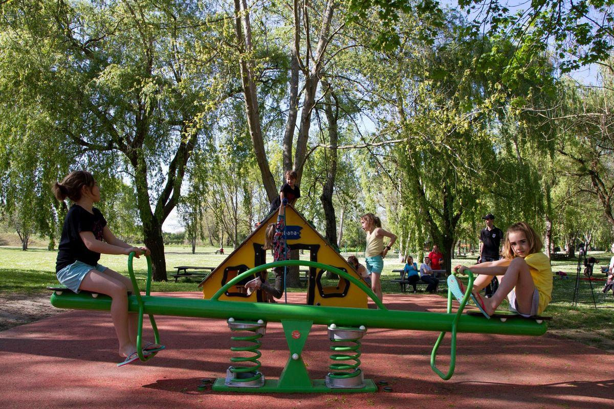 Le bonheur des enfants à la base de loisirs