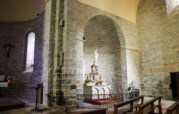Sculptures de la vierge dans l'église de Sauvelade