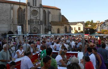 The Marché des producteurs de Pays in Orthez