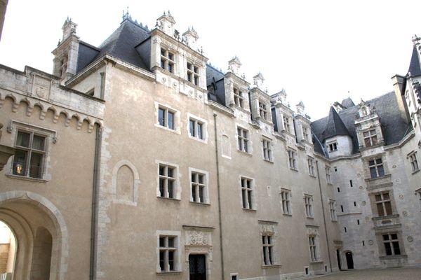 Cour intérieure du Château de Pau