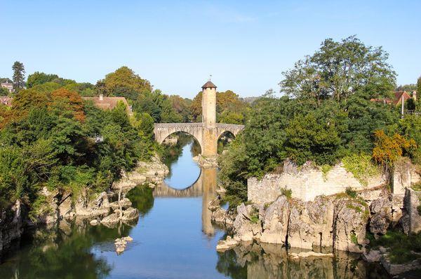 La gave de Pau et le pont vieux d'Orthez