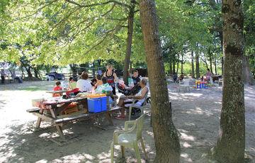 Zona de picnic de la Pêcherie d'Aurit en Hagetaubin