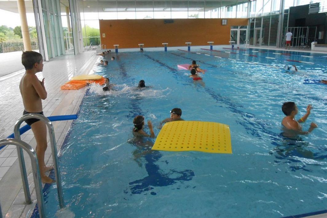 Complexes aquatiques et piscines en c ur de b arn for Brumisateur bassin exterieur