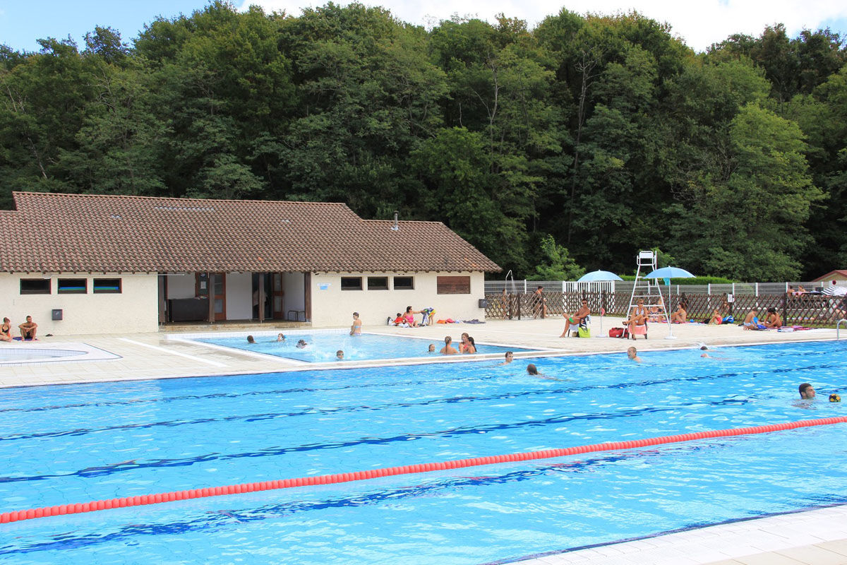 The Arthez-de-Béarn swimming pool