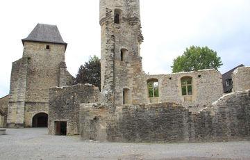 La iglesia St Vincent en Lucq-de-Béarn