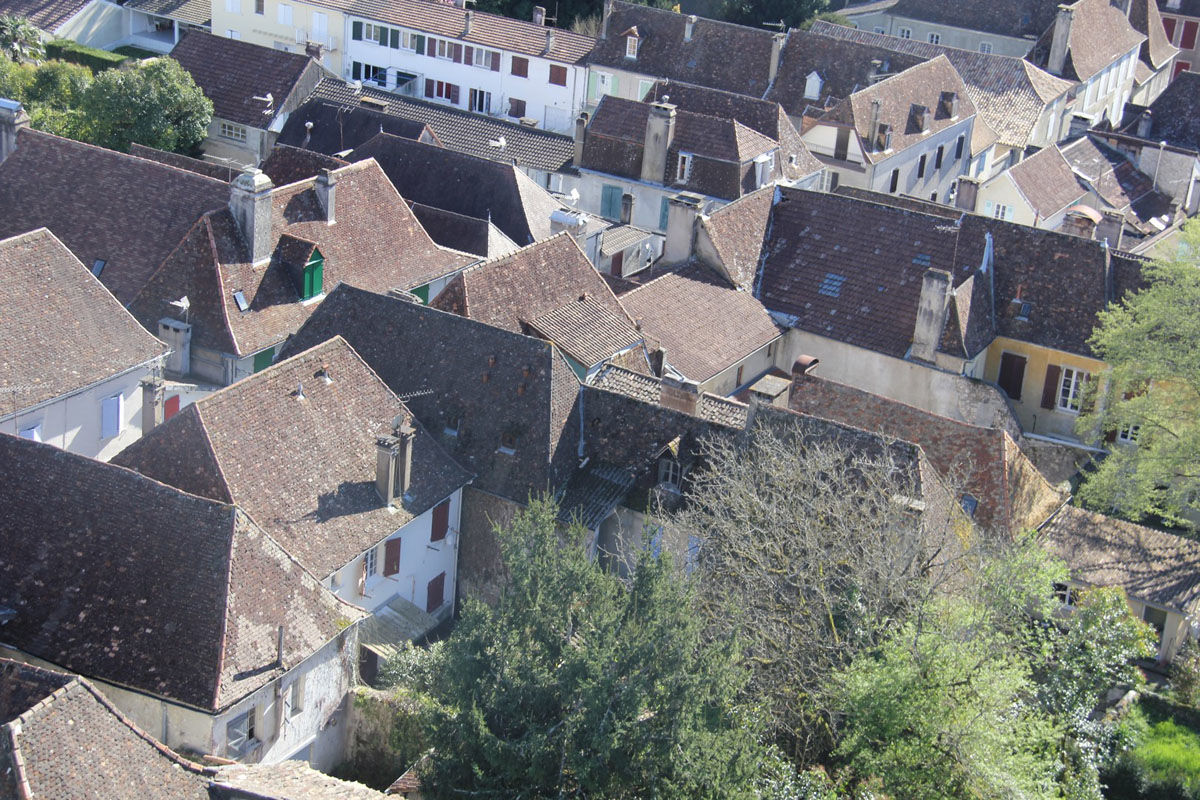The steep roofs of Orthez