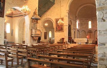 Intérieur de l'église Saint-Vincent de Lucq-de-Béarn