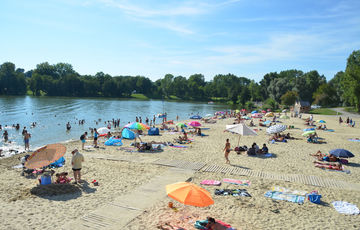 The beach of the Orthez-Biron Leisure Centre