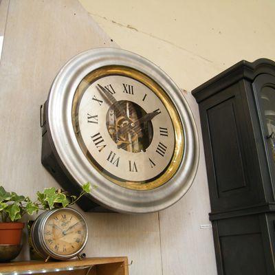 Horloger Julien Labatut - SAINT-BOES