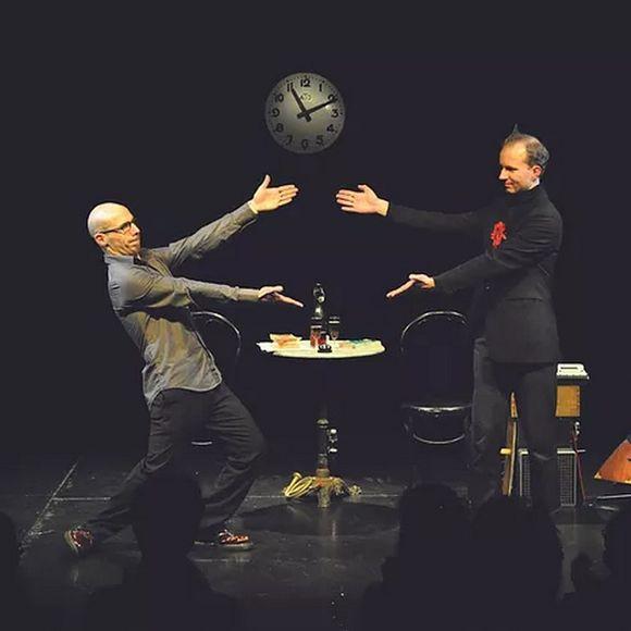 Les Théâtrales : Spectacle - Le 11/11/11 à 11h11 étonnant non ? - MOURENX