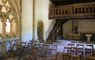 Enfeu et tribune de la chapelle de Caubin du 12ème siècle