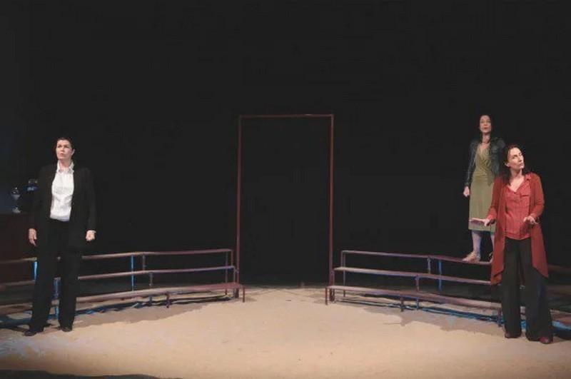 Théâtre des Chimères : Antigone à corps perdus - ORTHEZ