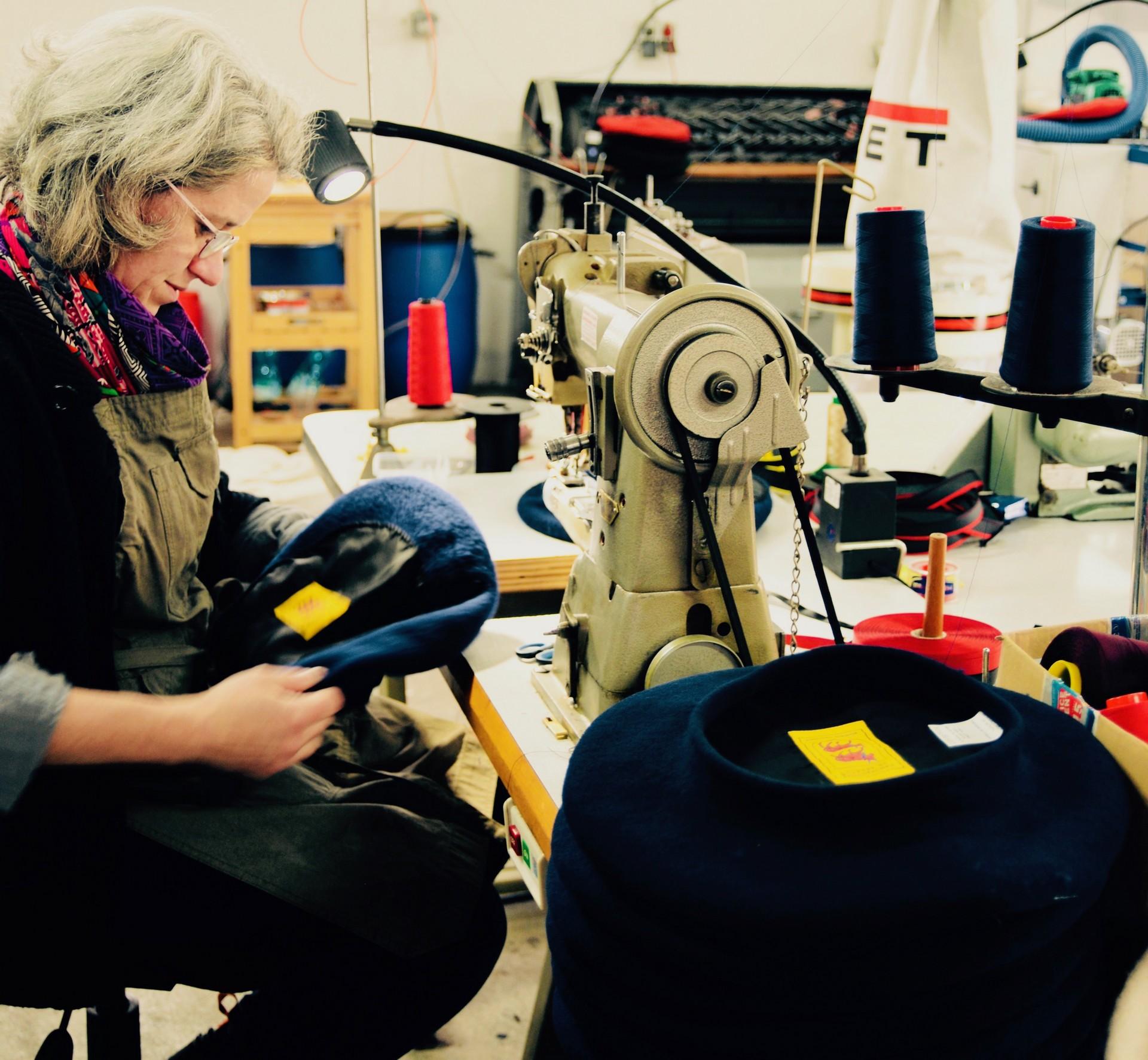 Visite de la manufacture de bérets - ORTHEZ