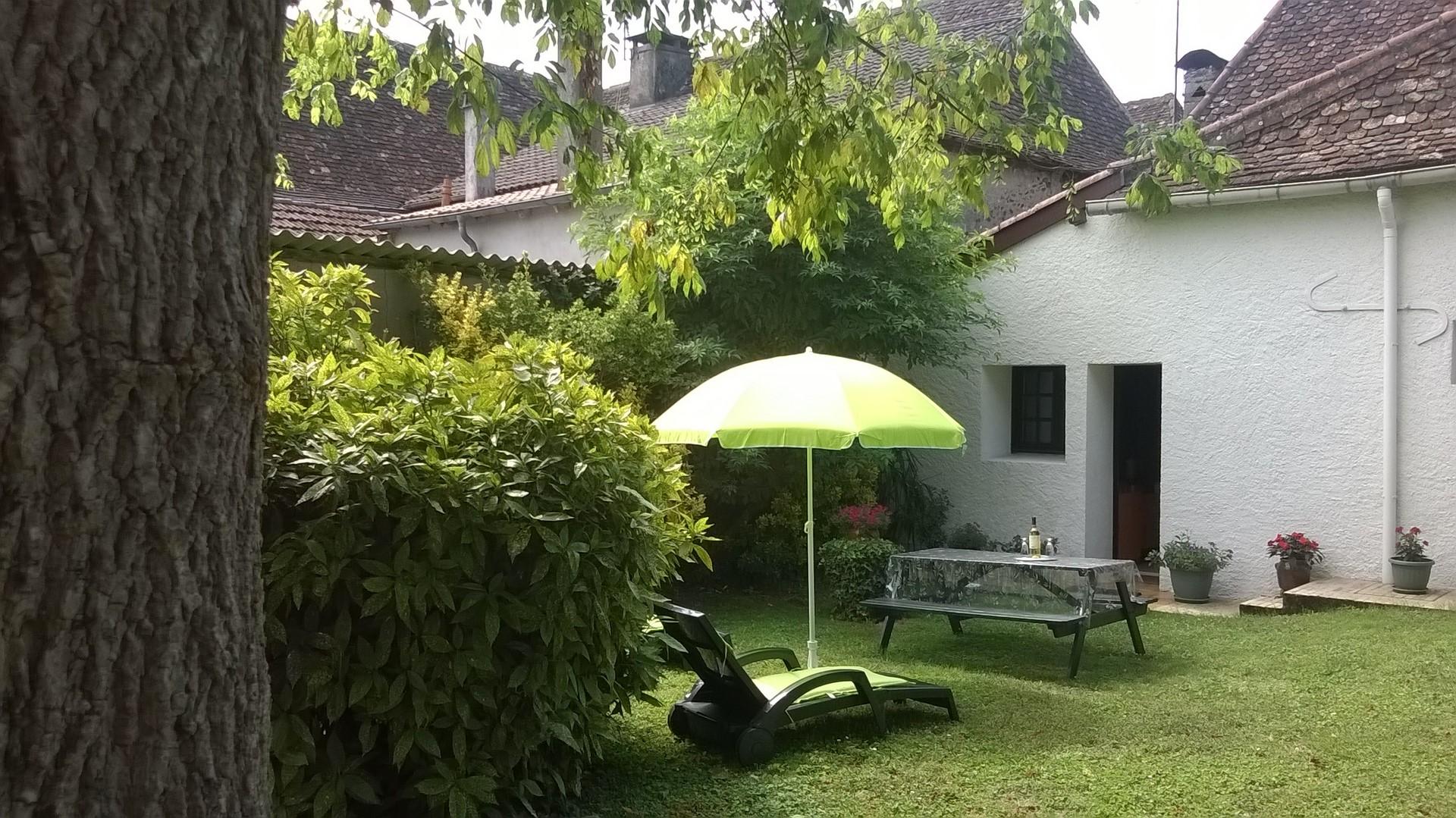 Location maison 4 personnes dufourcq marie claude baigts de bearn coeur de b arn - Marches jardin pente pau ...