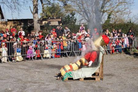 Préparation du Carnaval de Monein - MONEIN