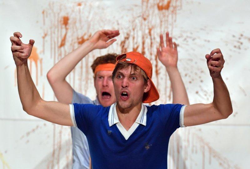 Théâtre: Mon prof est un Troll - MOURENX