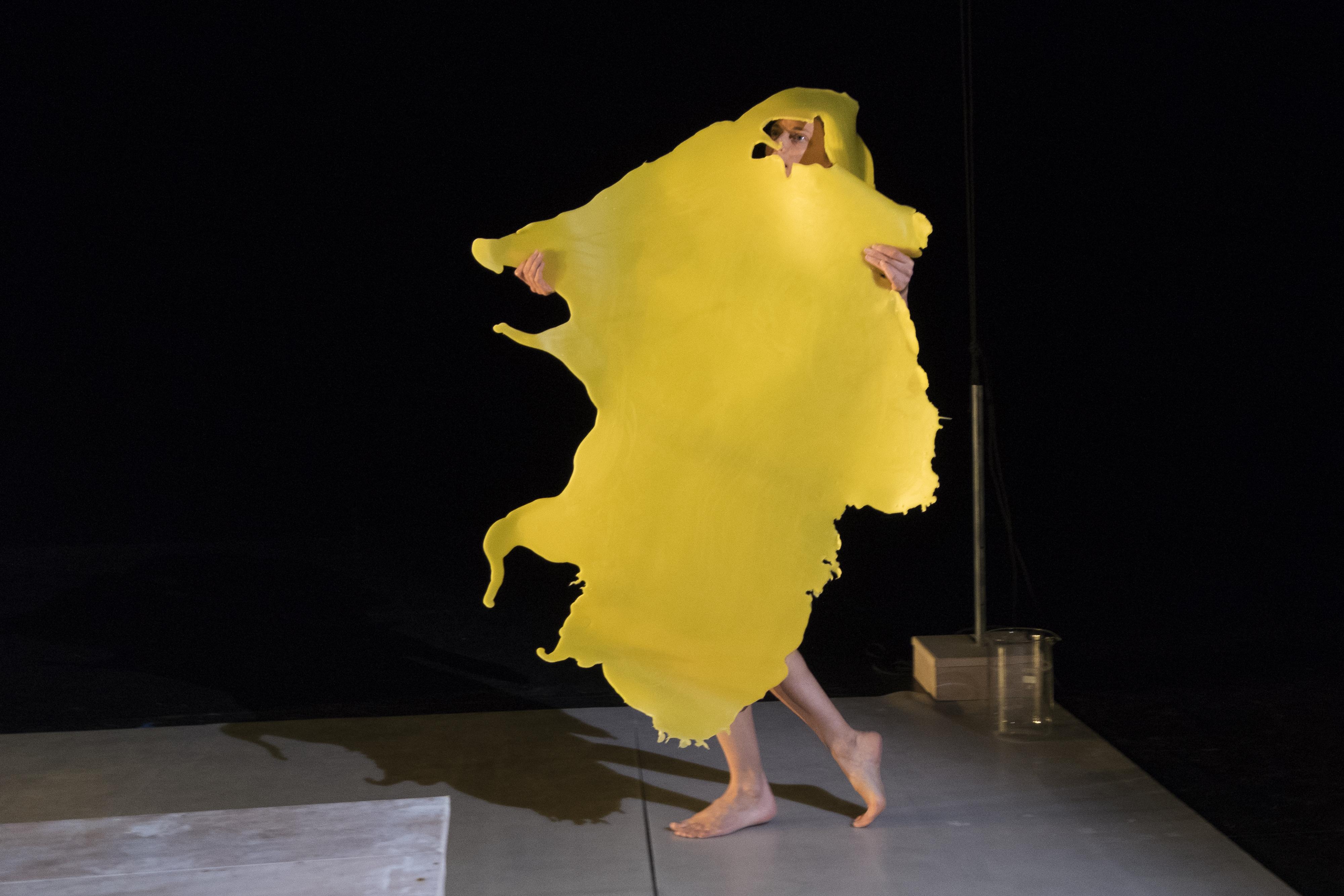 Théâtre d'objets: Wax comment sortir du moule - MOURENX