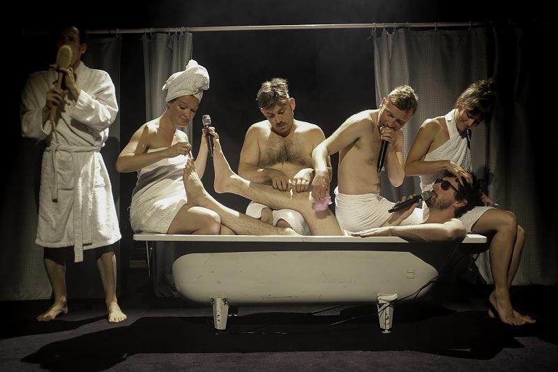 Humour musical : Shower Power - MONEIN